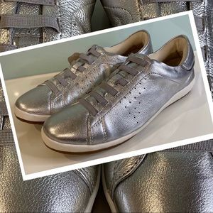 Womens Step on Air Salvador silver enclosed comfort flats 8 US 39 EU leather